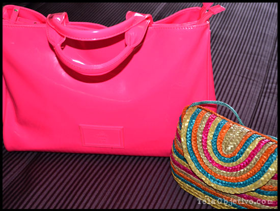 bolso rosa fluor carpisa