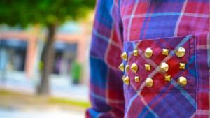 camisa-de-cuadros-con-tachas