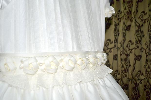 detalle vestido de comunión