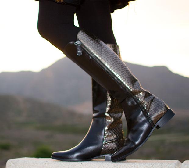 botas combinadas negro y dorado