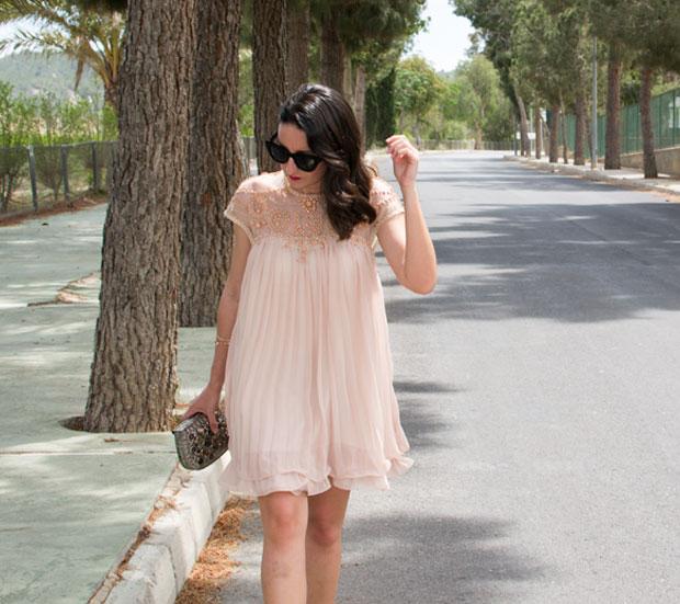 vestido color nude