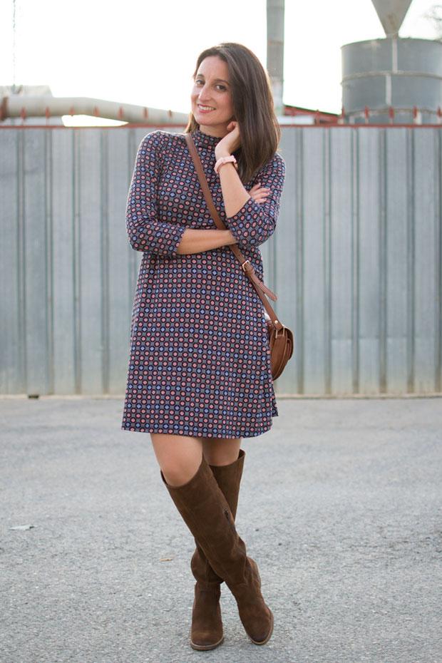 vestido con print geométrico
