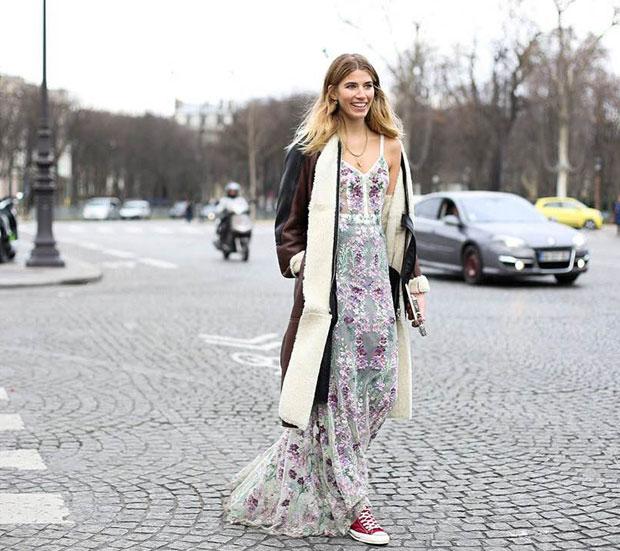 vestido de fiesta y zapatillas