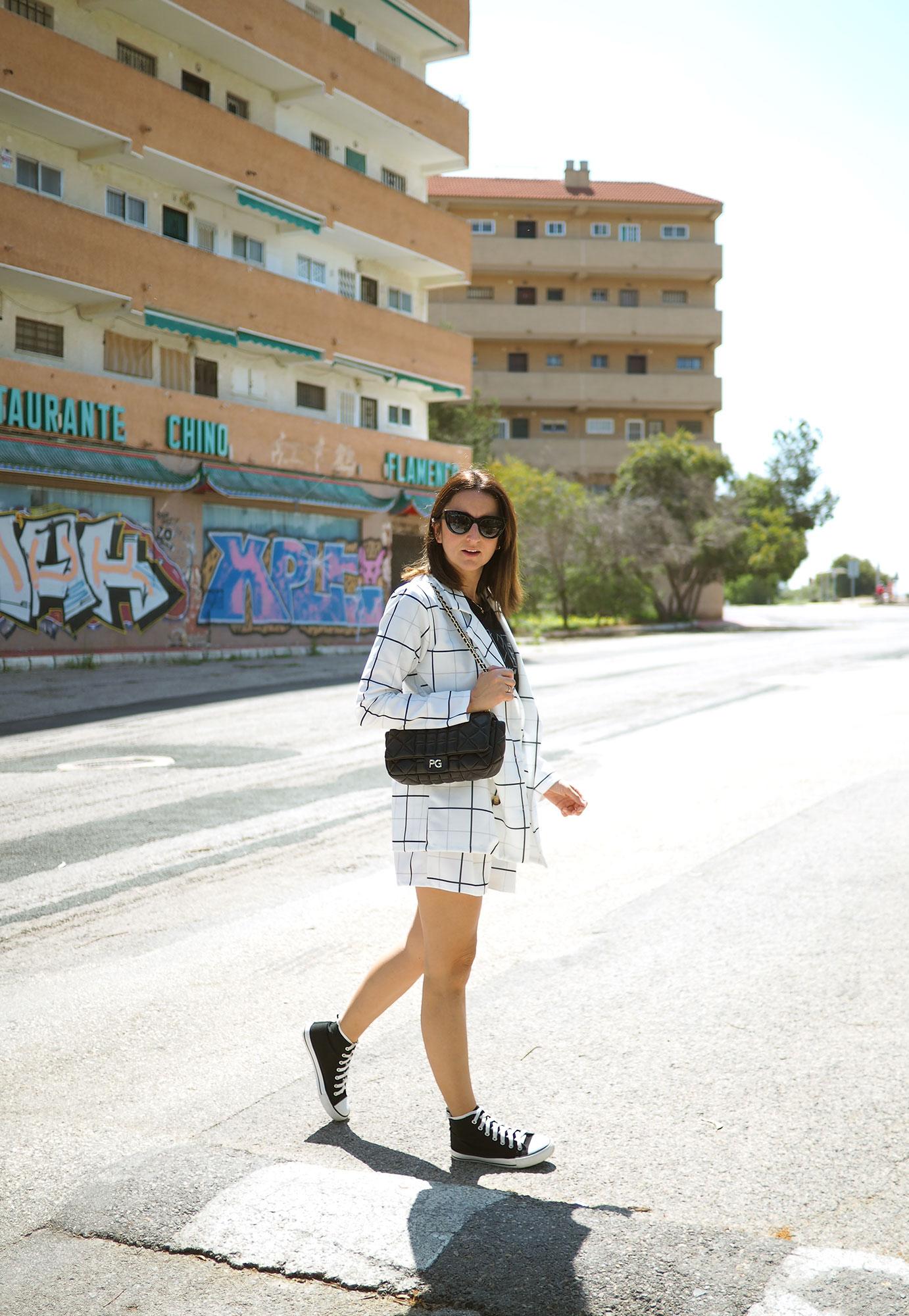 traje-chaqueta-blanco-mujer